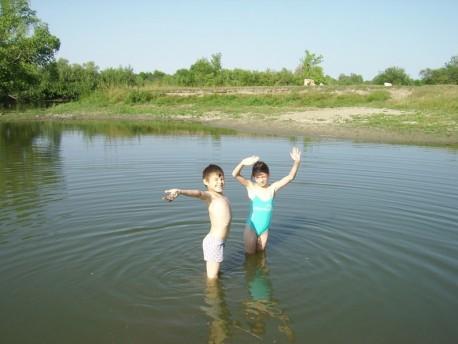 Летом мы много купались