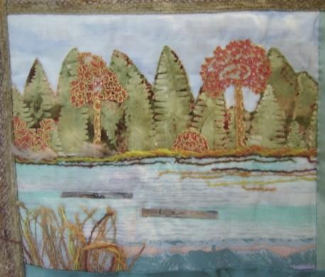 шитьё с плывущими по реке брёвнами